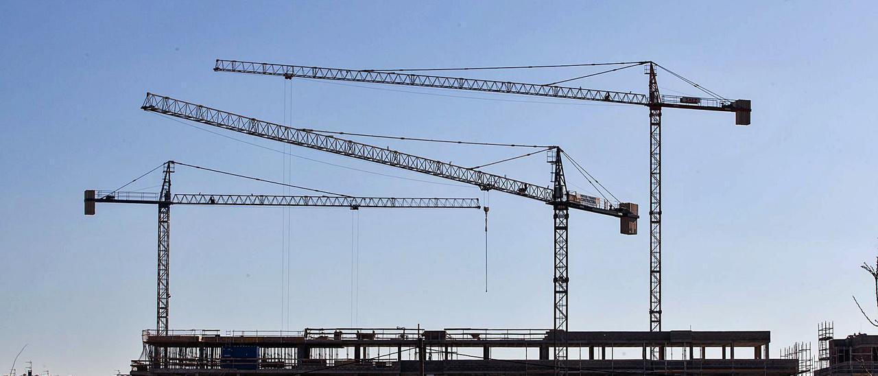 La construcción de viviendas no se ha traducido en un descenso de los precios. | VICENT MARÍ
