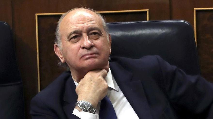 El juzgado no halla mensajes de Kitchen en un móvil de Jorge Fernández Díaz