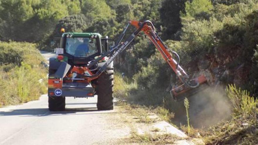 La Generalitat arregla la vía de Villalonga a l'Orxa ante la presión de los alcaldes