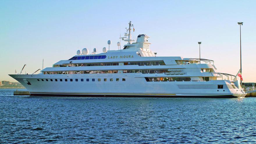 El puerto de Denia 'arrebata' a Mallorca el yate 'Lady Moura'