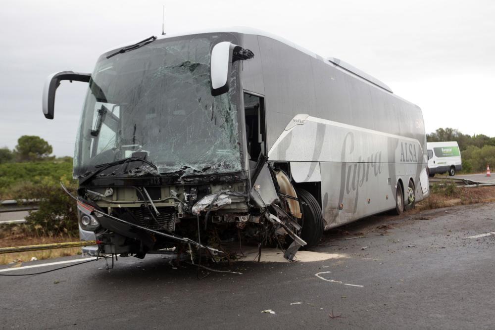 Un accidente con un muerto y 9 heridos provoca retenciones de 25 km en la AP-7