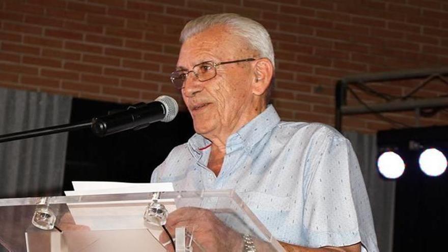 Roche inicia sus fiestas con un pregón en el que se homenajea a los vecinos