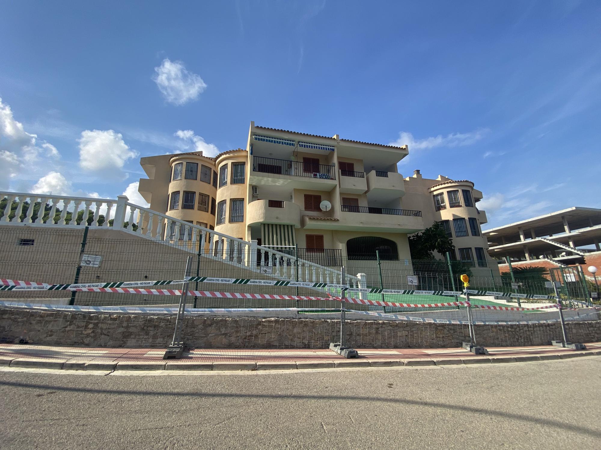Inician la demolición y desescombro del edificio derrumbado en Peñíscola