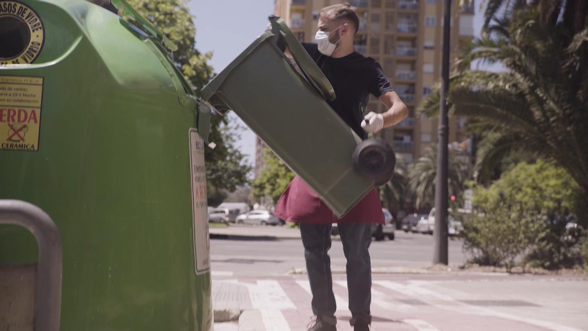 GVA, Ecovidrio y Emtre junto a consorcios, hosteleros y ciudadanos logran cerrar el círculo de reciclado de vidrio en València.