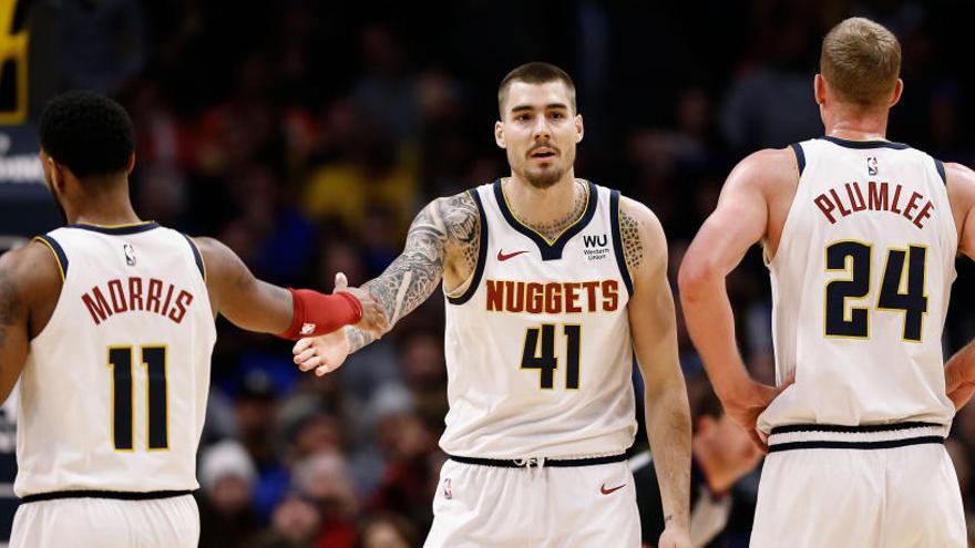 Los Nuggets siguen en racha y se imponen a los Wizards