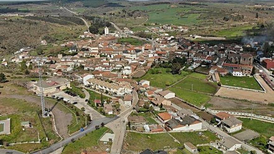 Alcañices, con 1.074 habitantes, persiste como el municipio más estable de la Raya