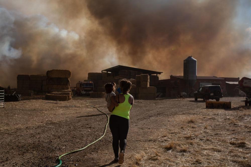 Imágenes del incendio originado en Lober de Aliste