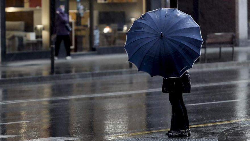 Preparen los paraguas: vuelve la lluvia a Asturias, al menos hasta el miércoles