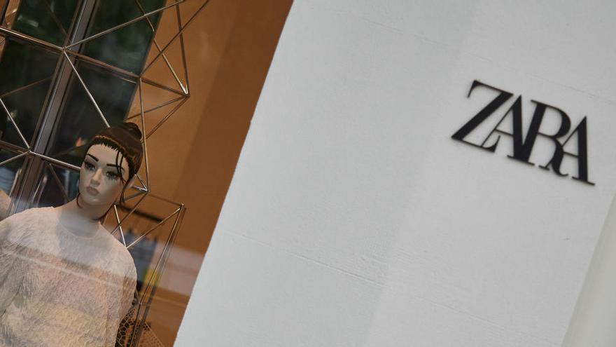Zara ya permite reservar probadores desde el móvil