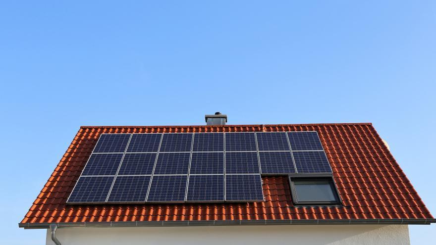 ¿Quieres disfrutar de energía solar ilimitada gracias a las placas solares de tu tejado?