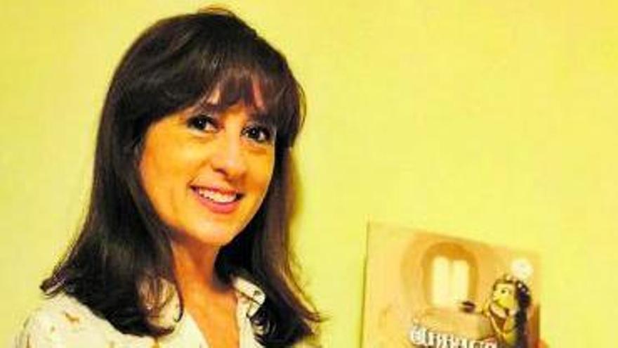 """Ana María Rodríguez: """"La mejor forma de explicar la historia es a través del lenguaje de los cuentos"""""""