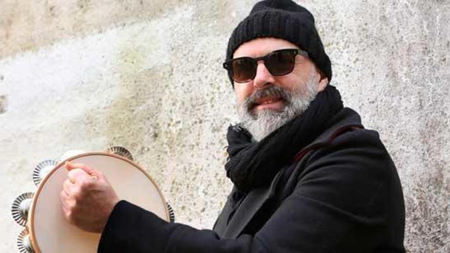 """Xabier Díaz: """"Galicia é un país de pandeireta a efectos reais e prácticos e hai que dignificar o instrumento"""""""