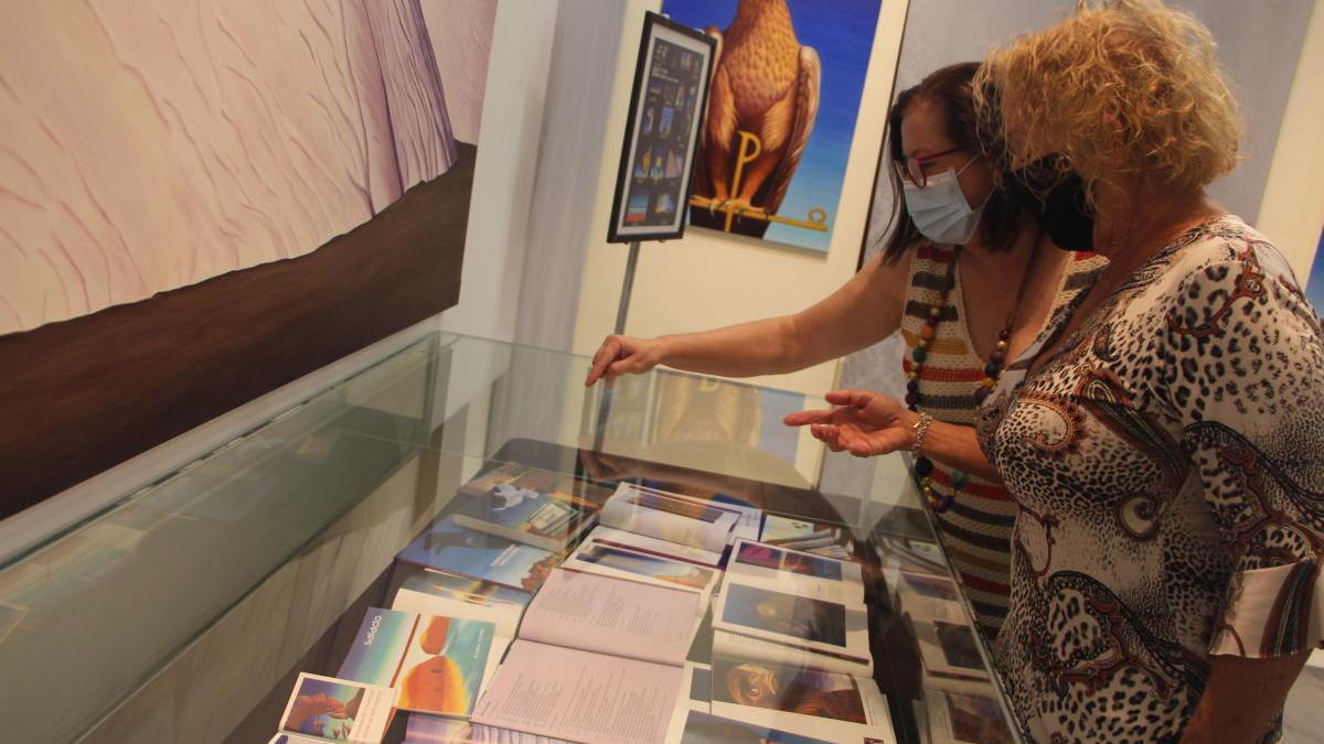 La pintora Ángela Acedo muestra su 'Vida en óleo' en San Pedro del Pinatar