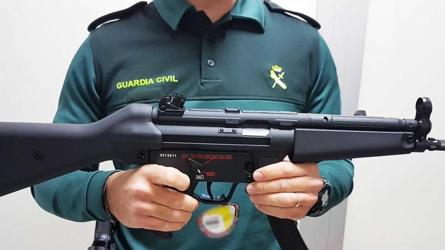 Waffen gehören auf dem Mallorca-Flug nicht in den Koffer