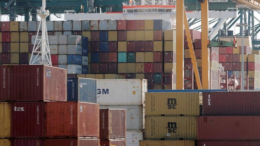 Las exportaciones cayeron un 9,1% en agosto y encadenan seis meses de descensos