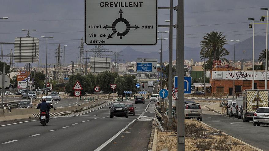El acceso a la estación del AVE sigue sin señalizarse dos meses después de su puesta en marcha