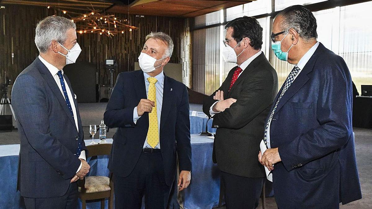 De izquierda a derecha, Agustín Manrique de Lara, Ángel Víctor Torres, Antonio Garamendi y José Carlos Francisco.