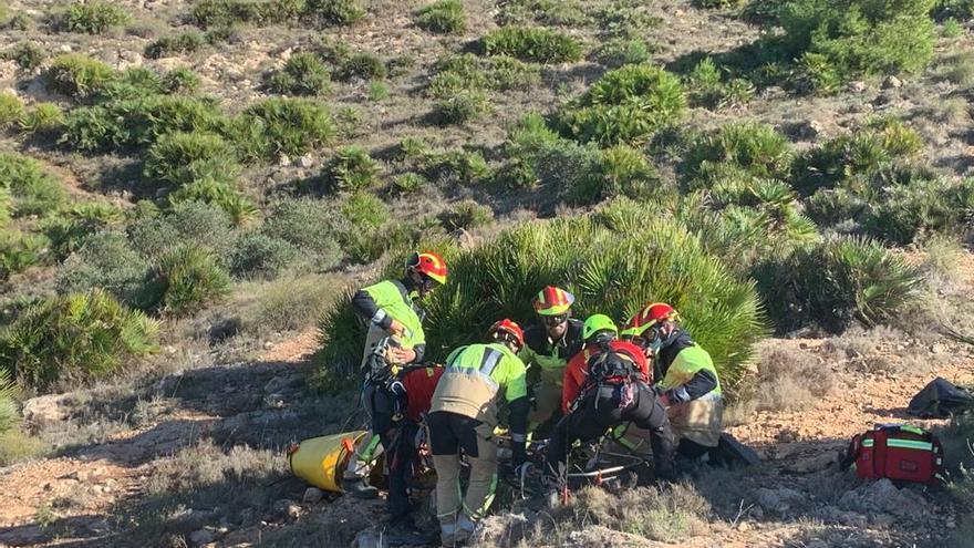 Rescatan por el aire a una senderista herida en Calblanque