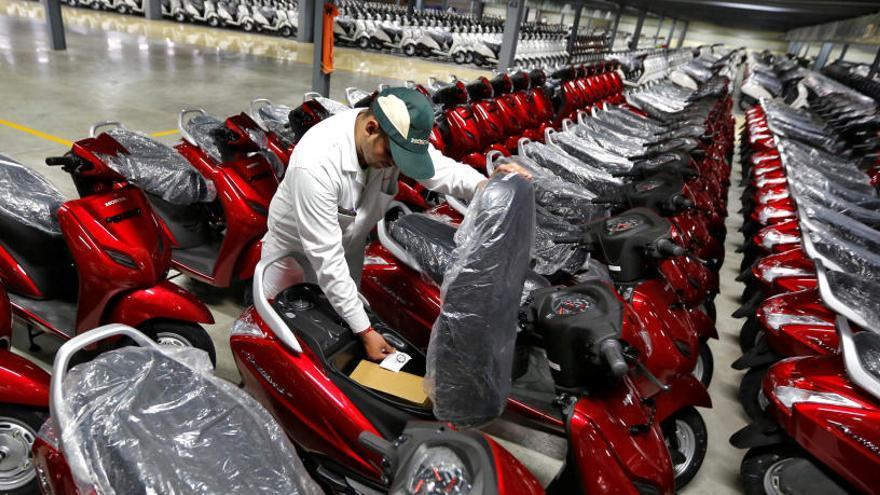 Skoda lanza un servicio de motos eléctricas compartidas en Praga