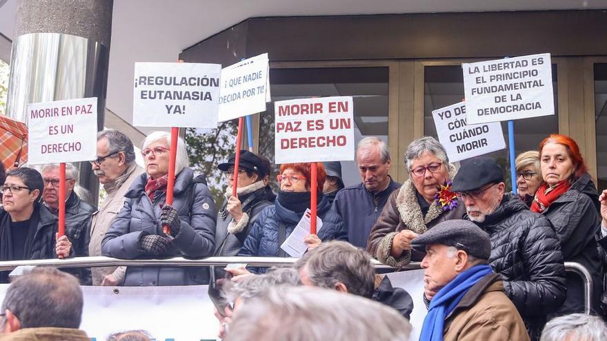Una carta y un vídeo para el juez: la historia de la joven fallecida en un céntrico hotel de Oviedo que no quiso esperar a la aplicación de la Ley de Eutanasia