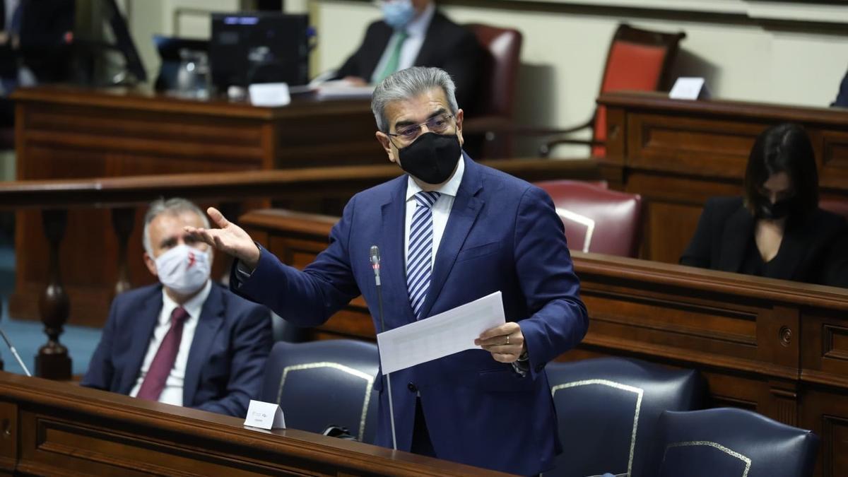 El vicepresidente del Gobierno de Canarias y consejero de Hacienda, Presupuestos y Asuntos Europeos, Román Rodríguez.