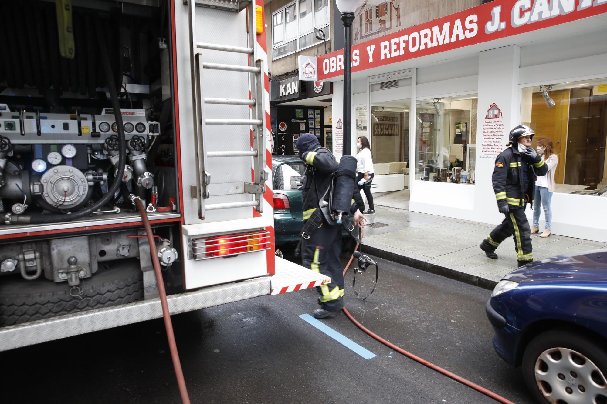 Incendio en un gimnasio de la calle Donato Argüelles