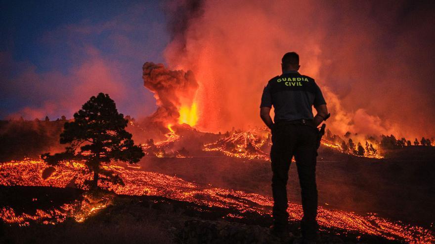 El volcán de La Palma obliga a evacuar a más de 5.000 personas