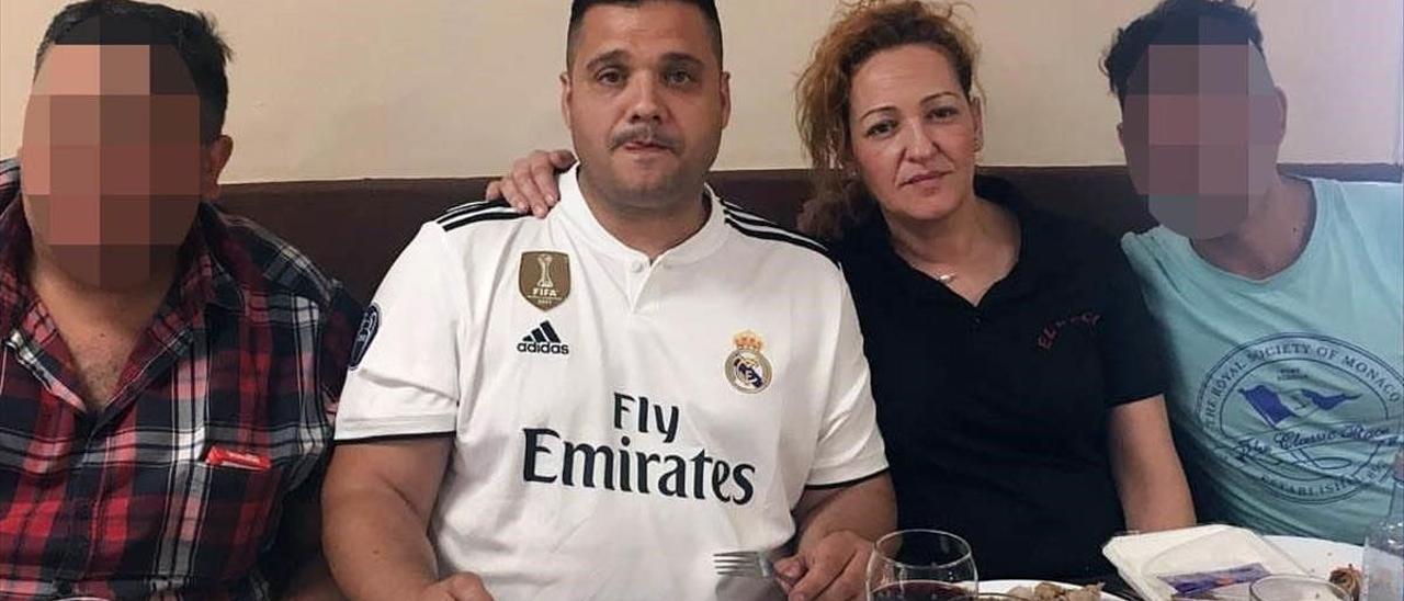 Susana, junto a su hermano Daniel.