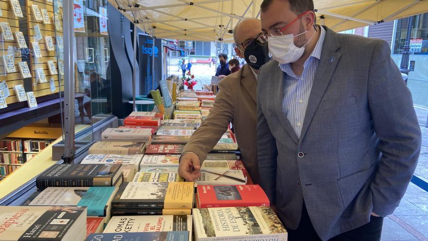 """Barbón reivindica """"la importancia de las personas que escriben bien"""", especialmente en los medios de comunicación"""