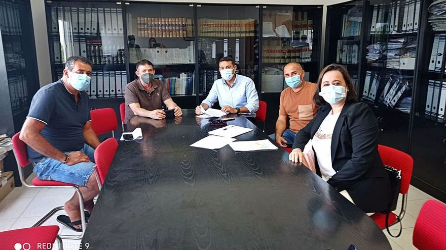 La cofradías estudian presentar un recurso contra las jaulas marinas