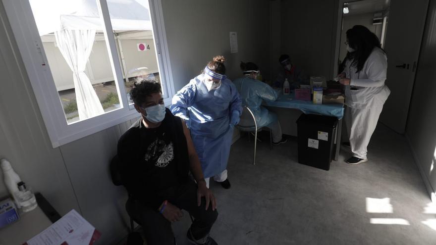 Inicia la vacunación a profesionales sanitarios de Atención Primaria de Mallorca