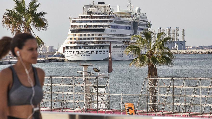 Alicante bate récord de cruceros al recibir a 10.000 pasajeros en una semana