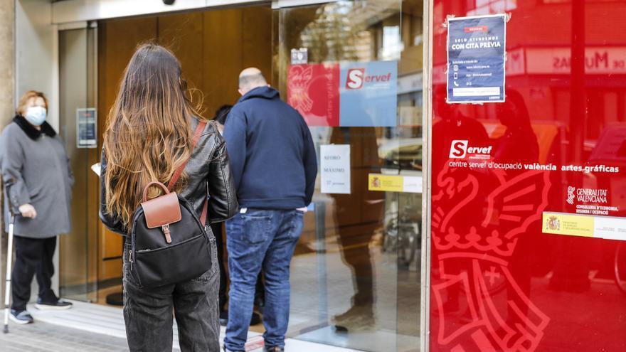 Díaz quiere personalizar los servicios del SEPE y ofrecerlos vía movil