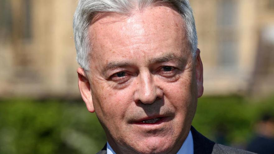 L'opció que Johnson substitueixi May provoca una dimissió al Govern