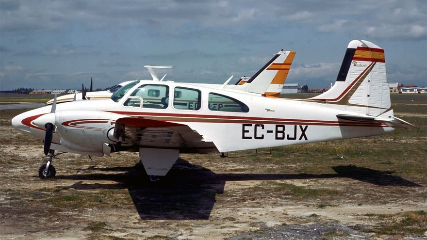 Subasta de avionetas abandonadas en València a partir de 2.000 euros