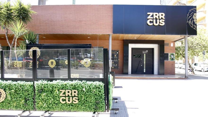 El SES confirma un brote de ocho positivos y 28 contactos en Cáceres y lo detecta en la discoteca Zrrcus