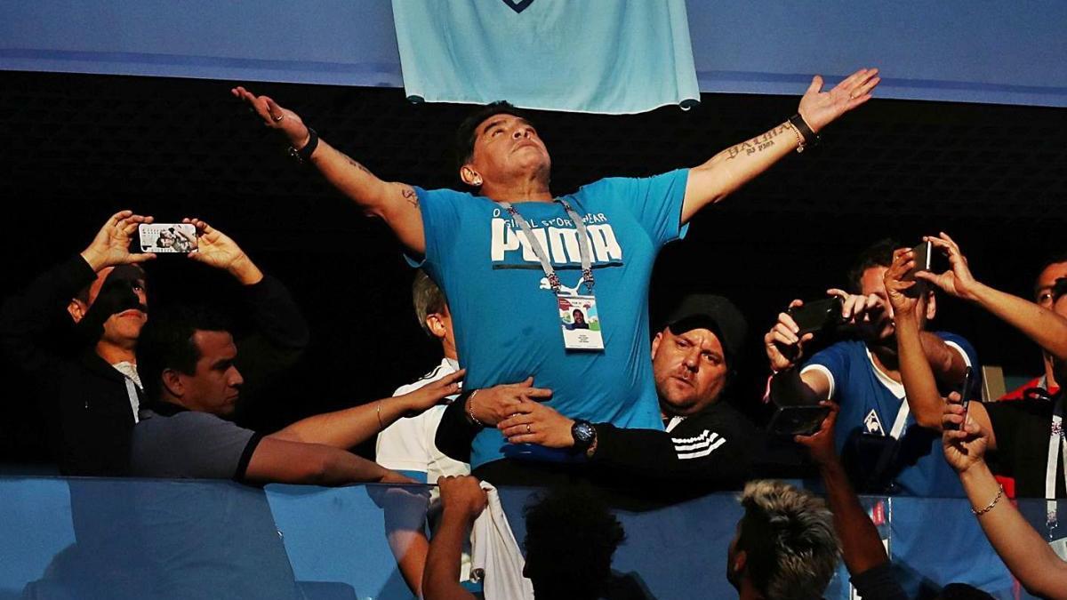 Diego Maradona, a la llotja de l?estadi de Sant Petersburg durant l?últim mundial de Rússia