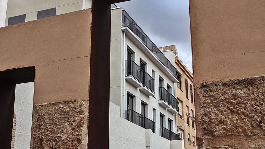Urbanismo desbloquea la obra de tres edificios 'fantasma' en el centro de Cartagena