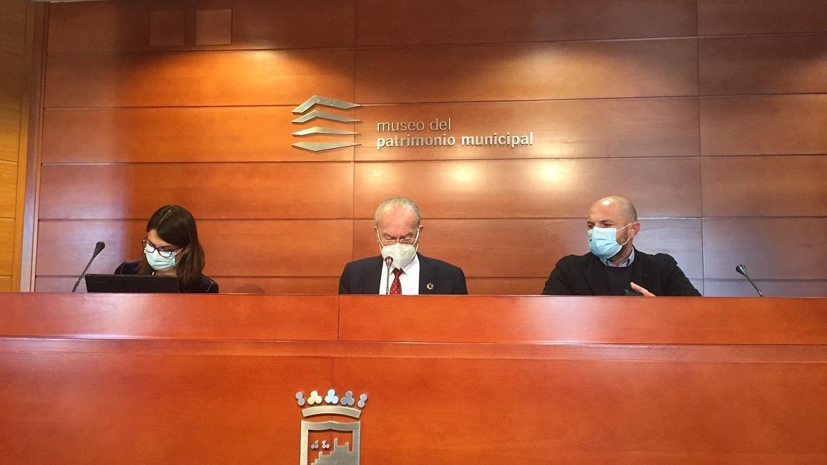Susana Carillo, Francisco de la Torre y Raúl López, este jueves en el Mupam.