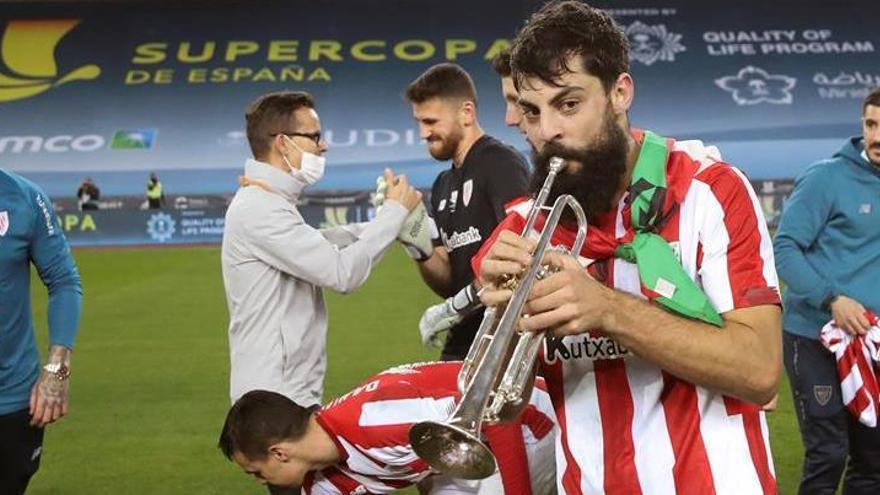 Villalibre y su trompeta, la imagen viral de la Supercopa