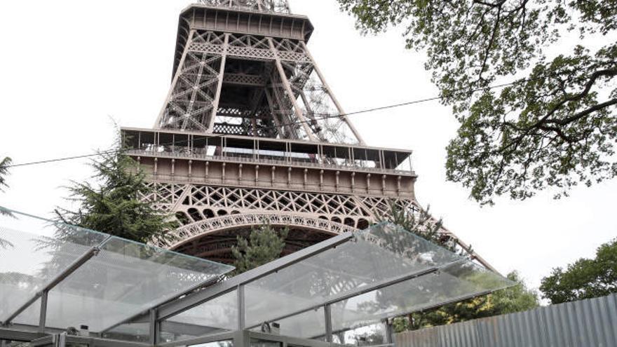 Reabren la Torre Eiffel tras desalojarla por una amenaza de bomba