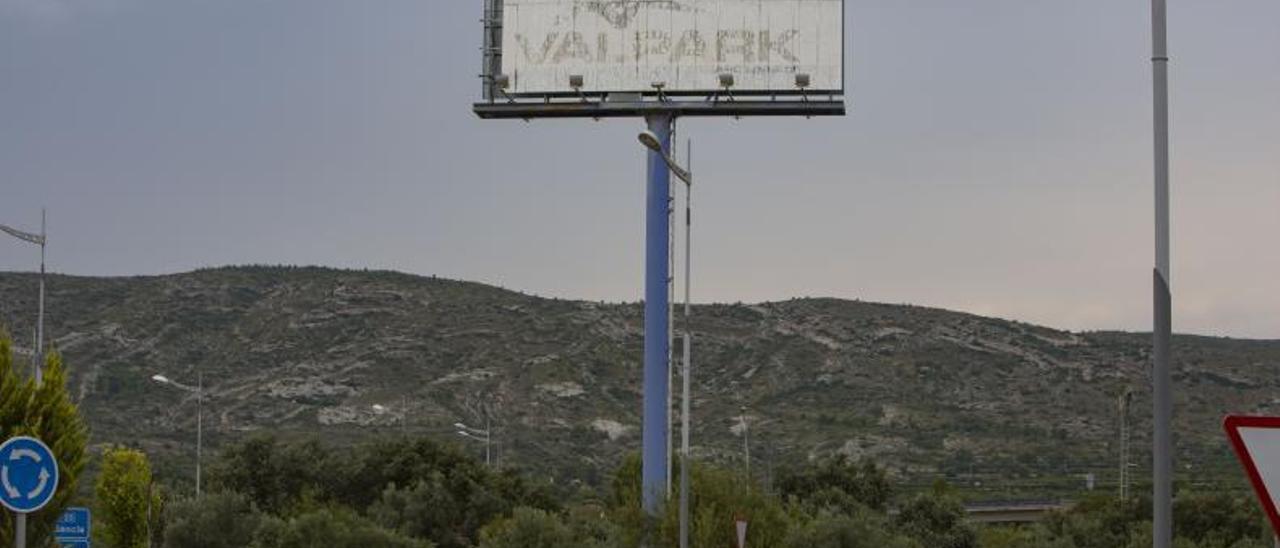 Cartel descolorido del  proyecto, en una imagen  de archivo.  perales iborra