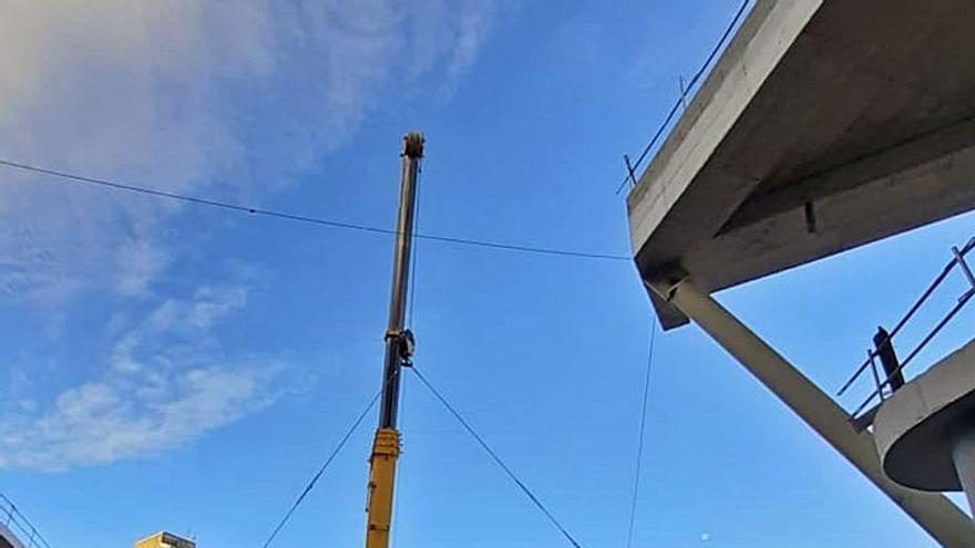 Instalan la escalera mecánica del futuro Primark de Vialia
