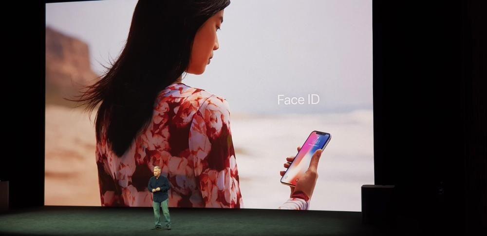 El nuevo iPhone X se desbloquea con reconocimiento facial. Se llama Face ID.