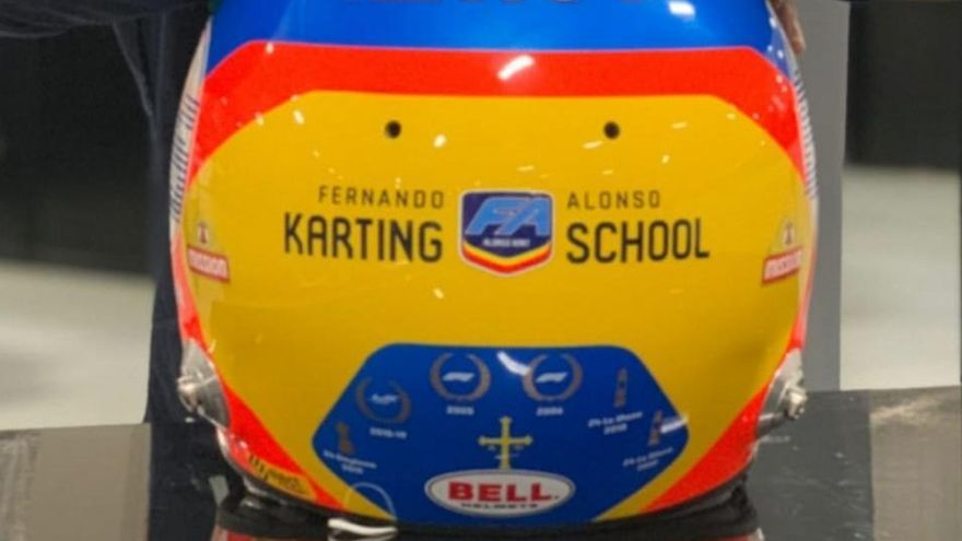 El último guiño a Asturias de Fernando Alonso en el casco que llevará en su próxima competición