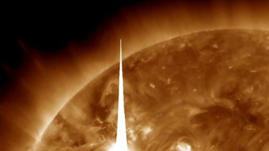 Las llamaradas del Sol obligan a los astronautas a esconderse en la EEI