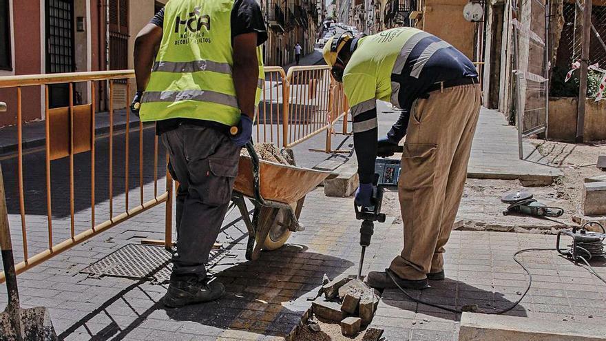 Alcoy inicia el cambio del pavimento en el centro histórico pero descarta por ahora San Nicolás