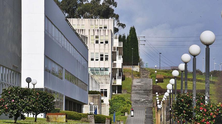 Las universidades gallegas recuperan mañana la presencialidad tras una breve experiencia telemática