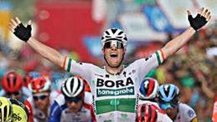 El irlandés Sam Bennett gana el primer esprint de La Vuelta