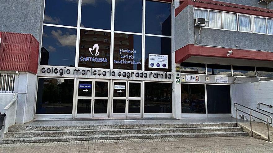 Un positivo en Maristas Cartagena pone en cuarentena a 40 trabajadores